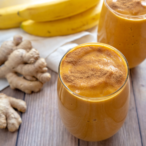Pumpkin Spice Smoothie with Banana & Almonds