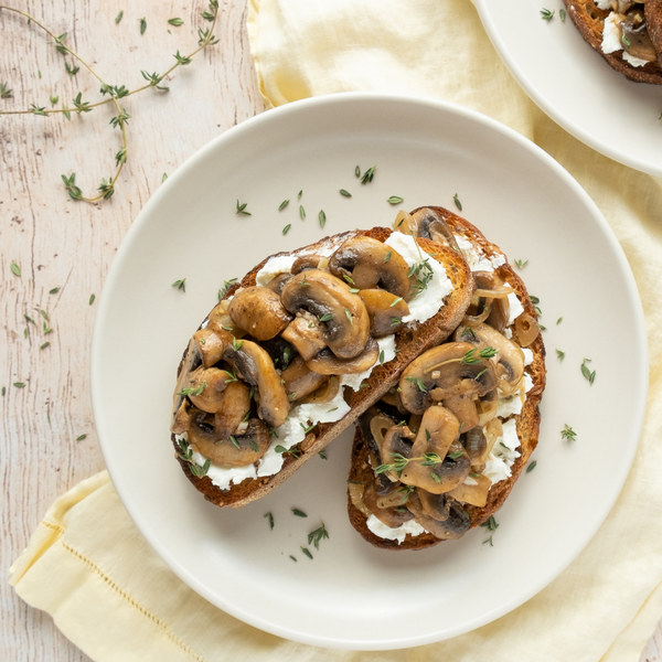 Mushroom Toasts with Goat Cheese, Balsamic & Thyme