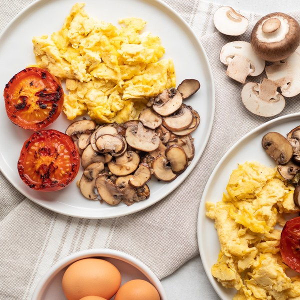 Scrambled Eggs with Mushrooms & Fried Tomatoes
