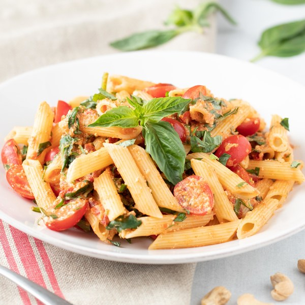 Sun-Dried Tomato Pasta with Spinach & Fresh Basil