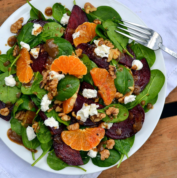Beet, Orange & Spinach Salad with Goat Cheese & Chopped Walnuts