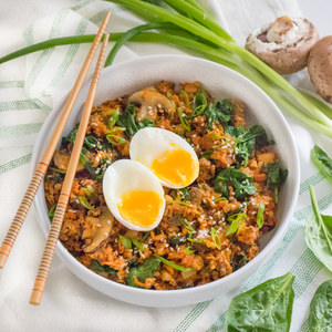 Spicy Bibimbap-Style Cauliflower Stir-Fry with Beef, Veggies & Eggs
