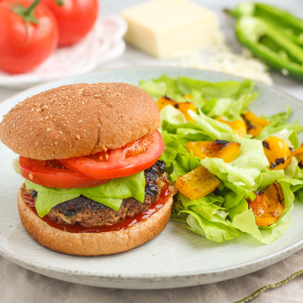 """Spicy """"Jalapeño Popper"""" Burger with Grilled Bell Pepper Salad"""