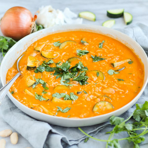 Spicy Tomato-Rice Coconut Cream Soup with Zucchini, Beans & Cilantro