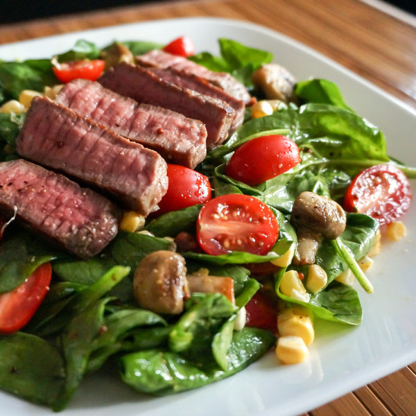 Steak & Spinach Salad with Sauteed Mushrooms, Grape Tomatoes & Corn