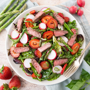 Steak, Asparagus & Strawberry Salad with Balsamic-Poppy Seed Dressing