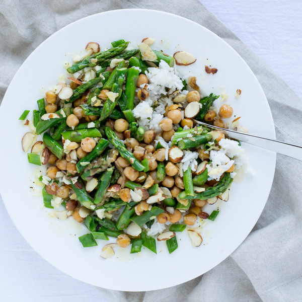 Asparagus & Chickpea Rice Bowl with Almonds & Lemon Vinaigrette