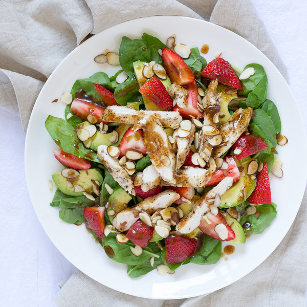 Chicken, Strawberry & Avocado Salad with Spinach & Almonds