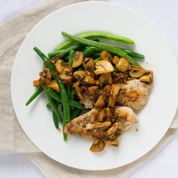 Seared Chicken Breast with Green Beans & Sautéed Mushrooms