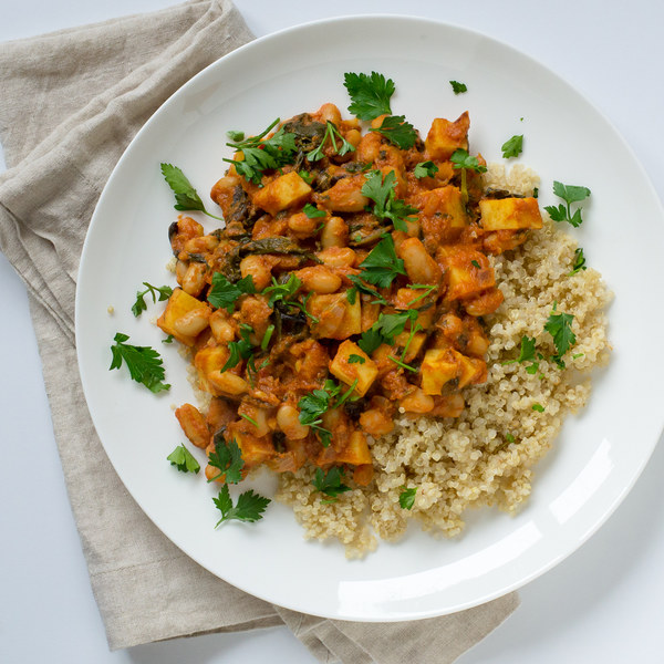 Sweet Potato, Spinach & White Bean Curry with Quinoa