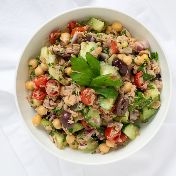 Mediterranean Tuna Salad with Chickpeas