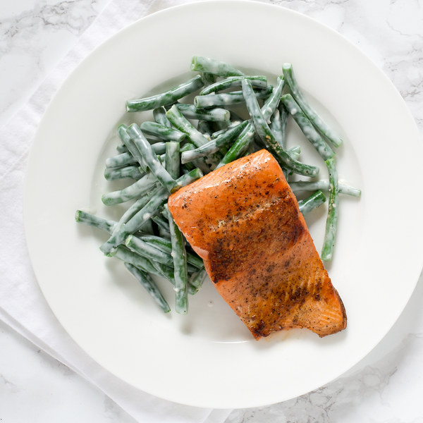 Pan-Fried Salmon with Creamy Green Beans