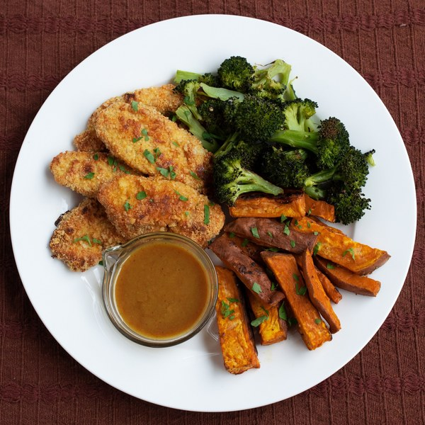 Chicken Tenders with Roasted Vegetables & Spicy Maple Mustard