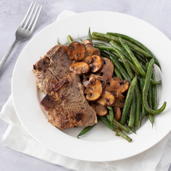 Dijon Lamb Chops with Mushrooms & Green Beans