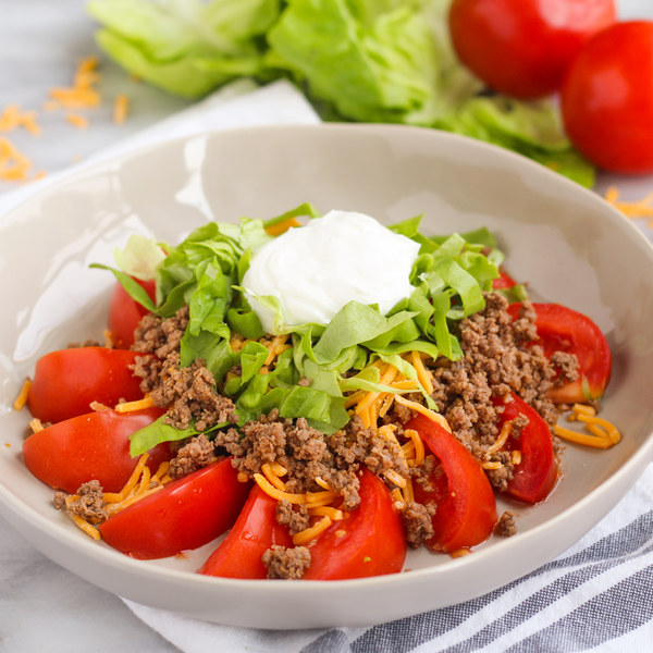 Beef & Cheddar Taco Salad with Tomato Wedges
