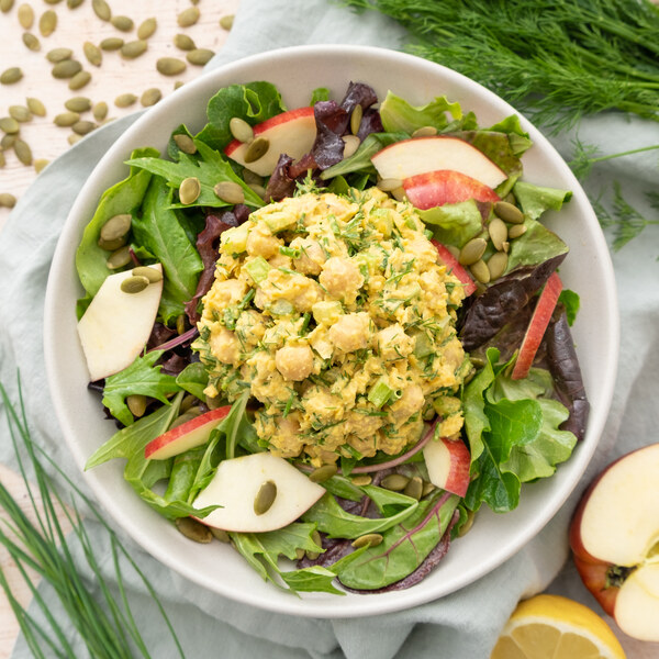 Curried Chickpea Salad with Mixed Greens, Apple & Pumpkin Seeds