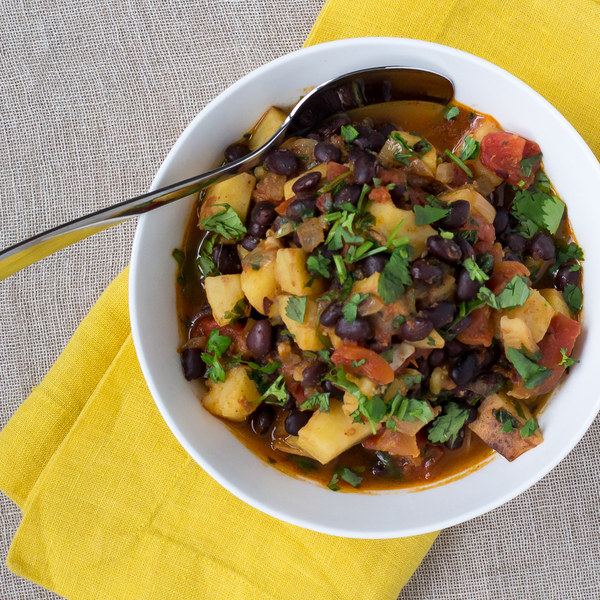 Hearty Sweet Potato & Black Bean Chili