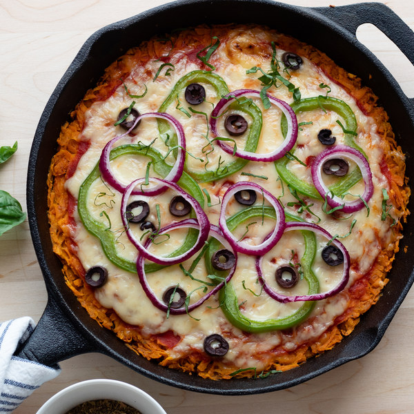 """Skillet Sweet Potato """"Pizza"""" with Olives, Green Peppers & Fresh Basil"""